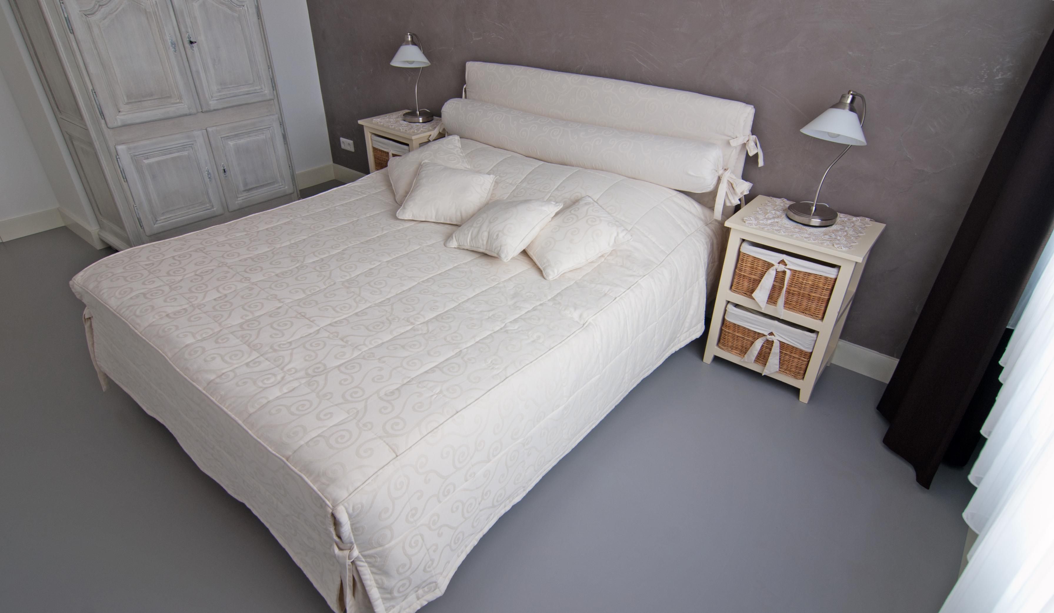 Fußboden Für Schlafzimmer ~ Schlafzimmer wand und fussboden cemcolori